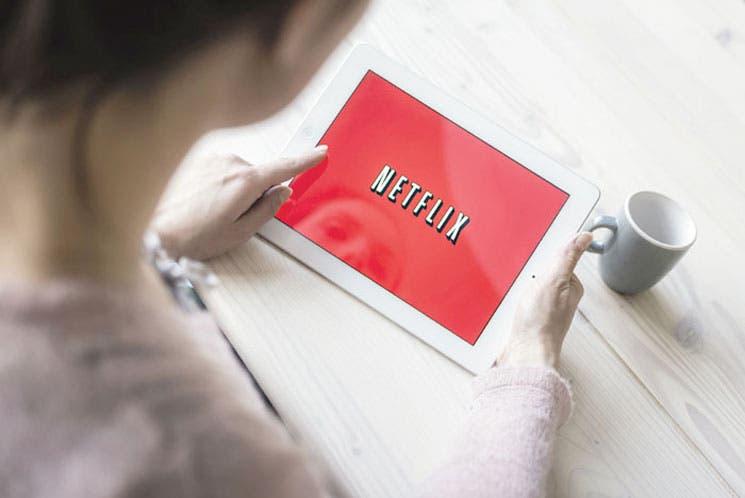 Nuevos suscriptores de Netflix pagarán un dólar más al mes