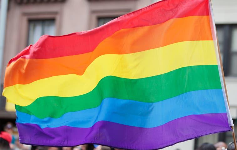Izarán bandera de la diversidad en ministerios