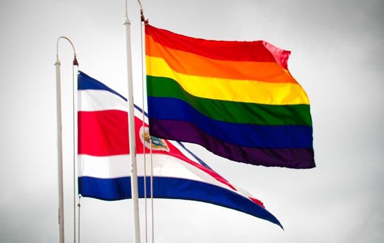 [Galería] Bandera gay adorna dependencias estatales