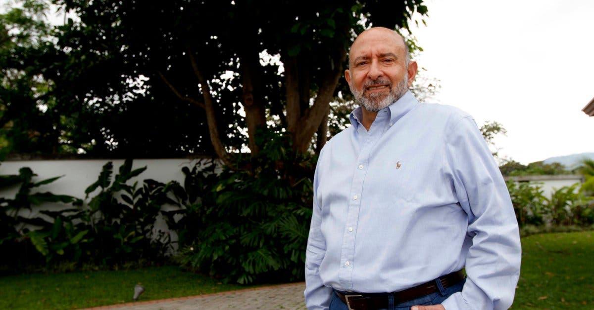 Edgar Ayales: pasión por los números, la familia y Costa Rica