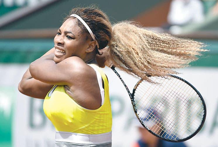 Serena y Federer pegan primero
