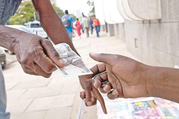 Basura electrónica: oportunidad de negocio para las mujeres kenianas