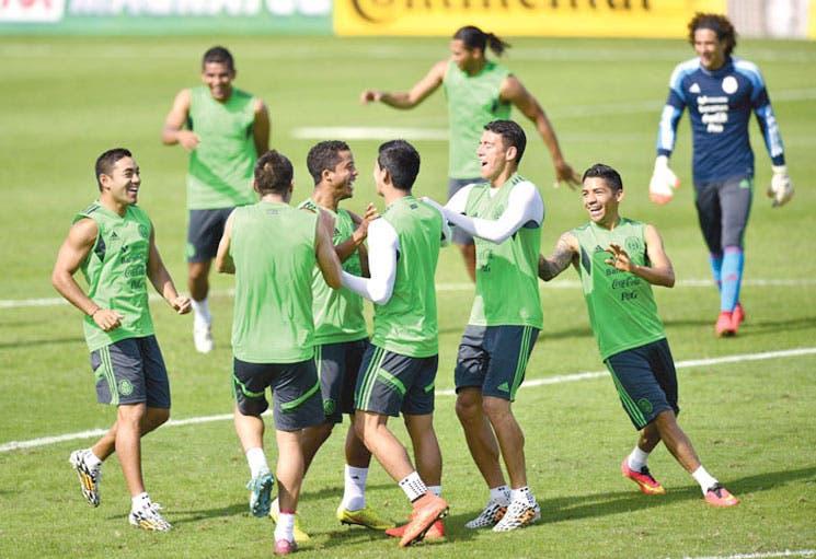 México entrenó en Santos