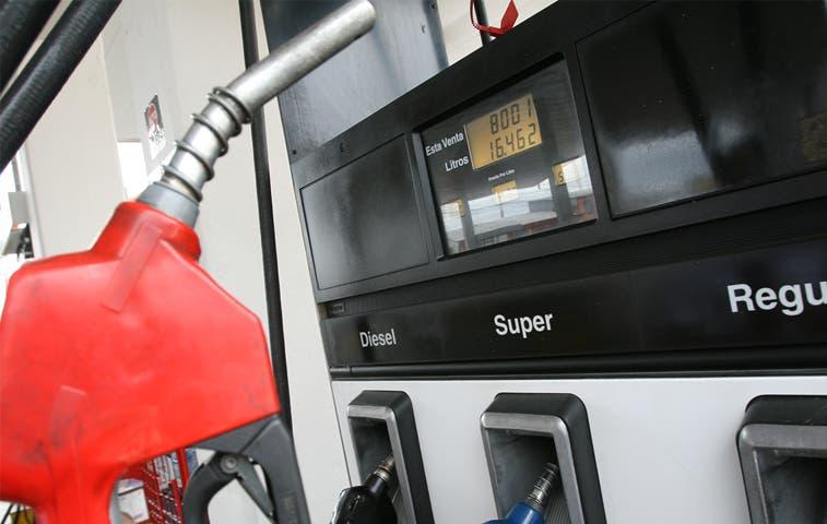 Precio en gasolinas subirá ¢1