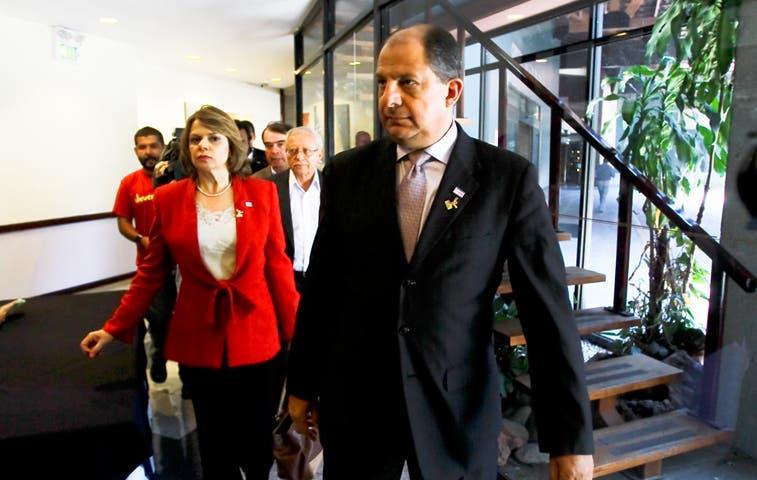 Solís se reunió con ejecutivos de APM Terminals