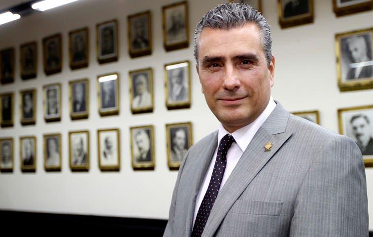 Otto Guevará irá a audiencia de Sutel