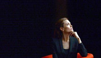 Jolie pide al mundo combatir la injusticia de la violencia sexual