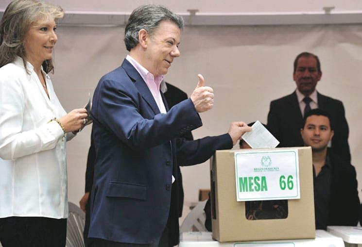 Santos reelegido gobernará Colombia por la paz