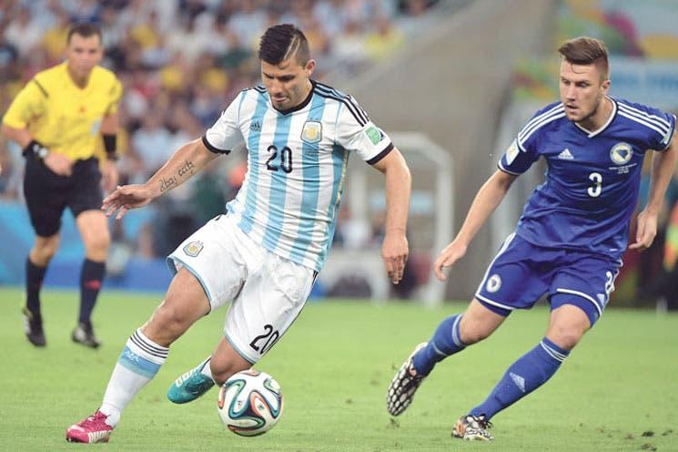 """Messi """"reaparece"""" en Maracaná"""