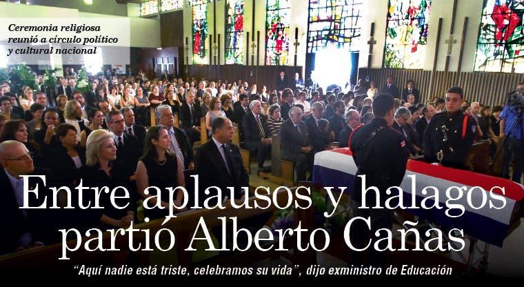 Entre aplausos y halagos partió Alberto Cañas