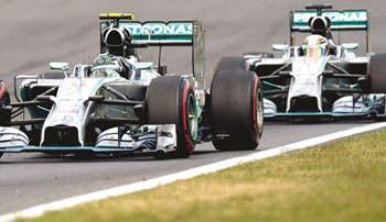 Rosberg se afianza