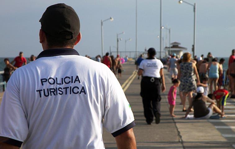Turistas se alistan para vacaciones de 15 días