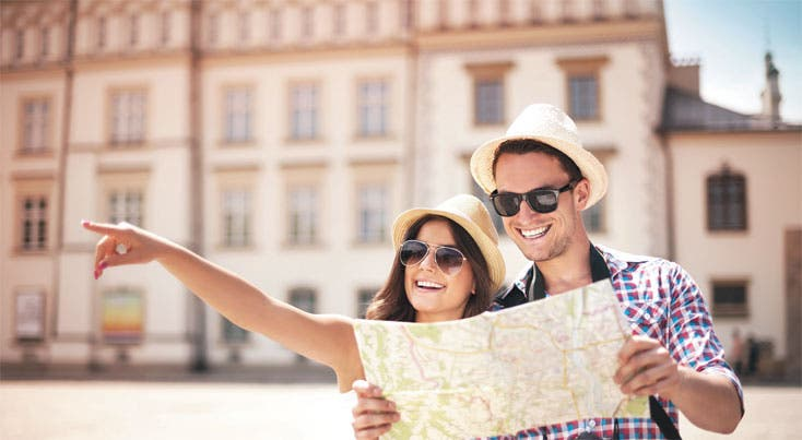 """Turistas """"alquilan amigos"""" en sedes mundialistas"""