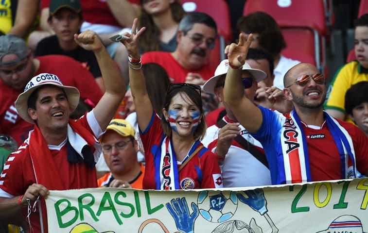 Ticos gastan un millón de dólares en Brasil