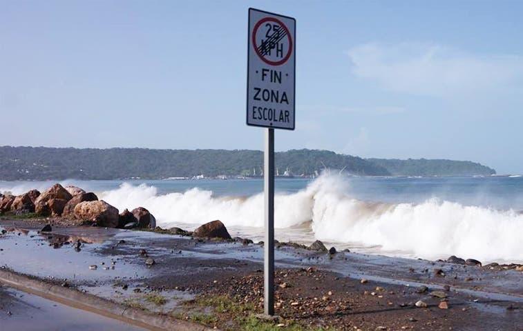 Piden precaución por oleaje en Caldera