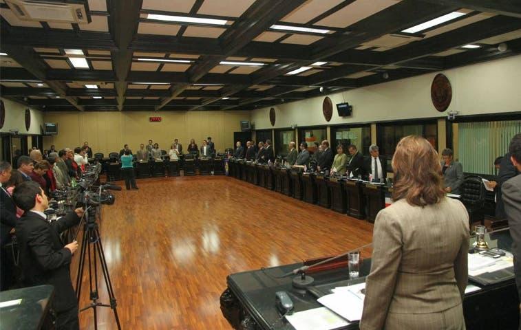 Comisión legislativa verá caso de magistrado
