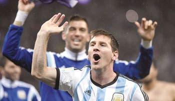 Messi va por el título