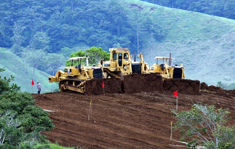 Aprueban $43 millones para carretera a San Carlos