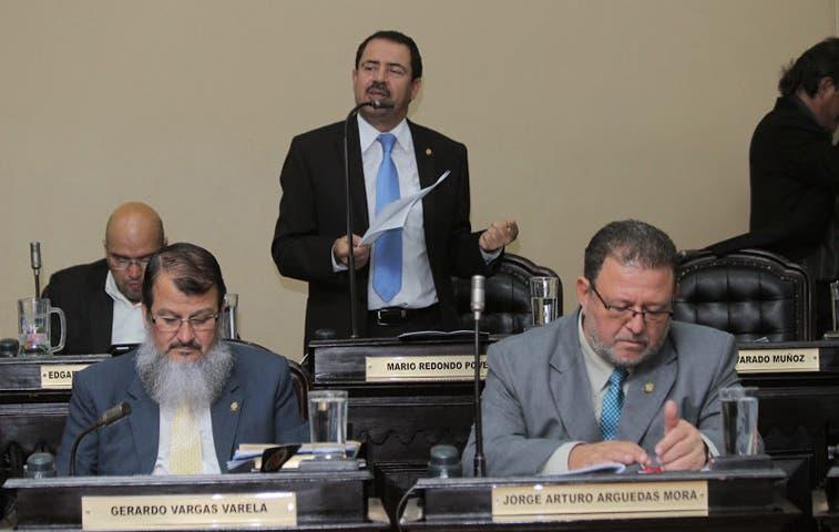 Proponen reformas a reglamento legislativo