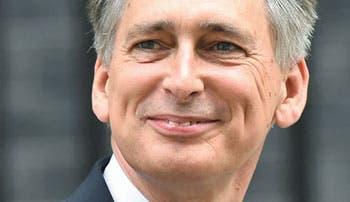 Cameron hace amplio reajuste del Gobierno británico