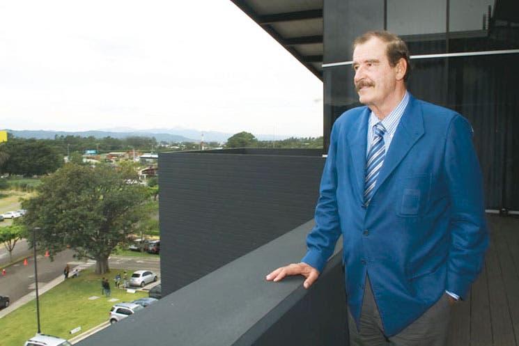 Vicente Fox arremete contra monopolios