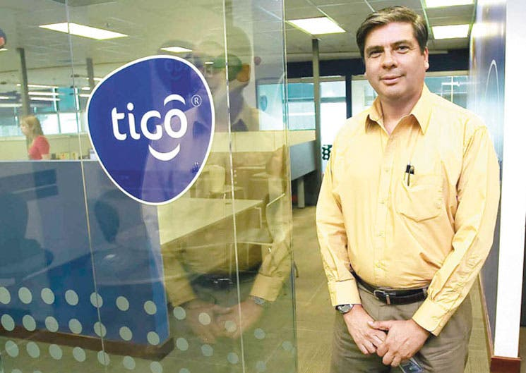 Tigo entra en competencia de televisión satelital