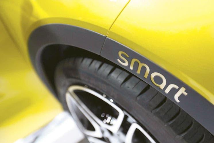 Daimler duplica línea Smart para conductores urbanos