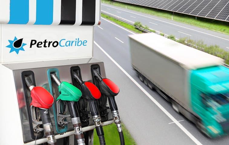 Gobierno se sacude las críticas por Petrocaribe