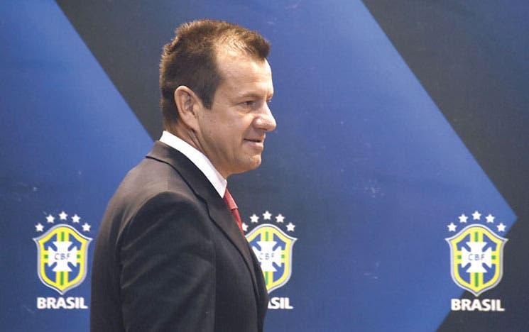 Brasil vuelve a confiar en Dunga