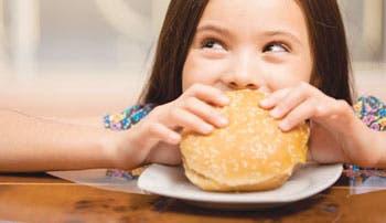 México regula anuncios de comida chatarra