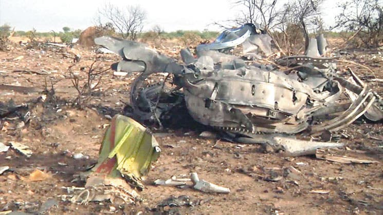 Restos de avión de Mali desperdigados en nueve hectáreas