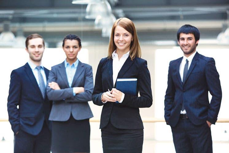 Aumentan retos para trabajadores jóvenes