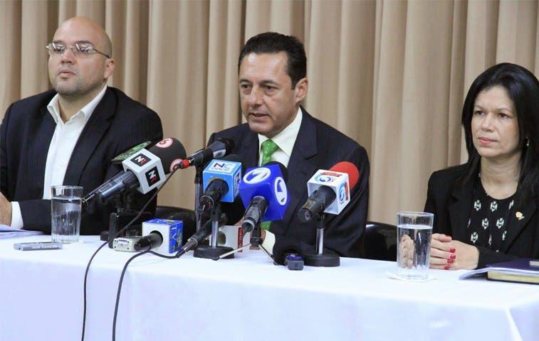 Revocan nombramiento de magistrado González