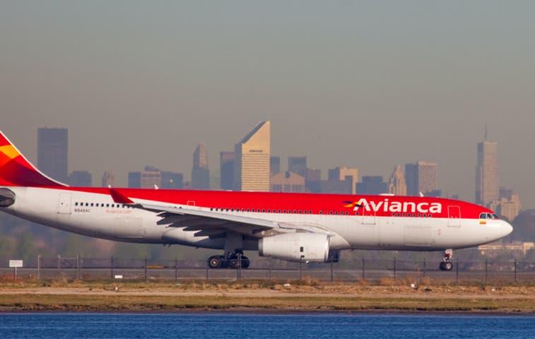 Avianca Holdings aumenta en pasajeros
