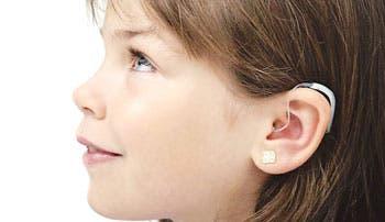 Estadounidense se vuelve multimillonario con ventas de audífonos