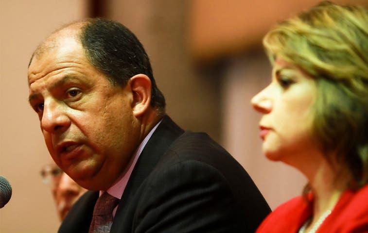Solís pide cese al fuego en Gaza