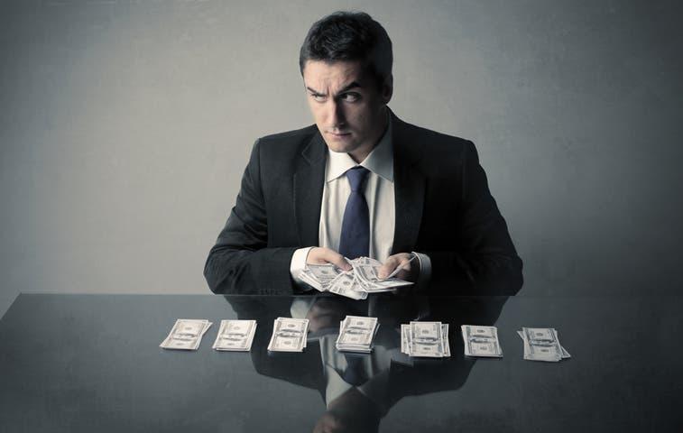 Solís presenta proyecto contra fraude fiscal