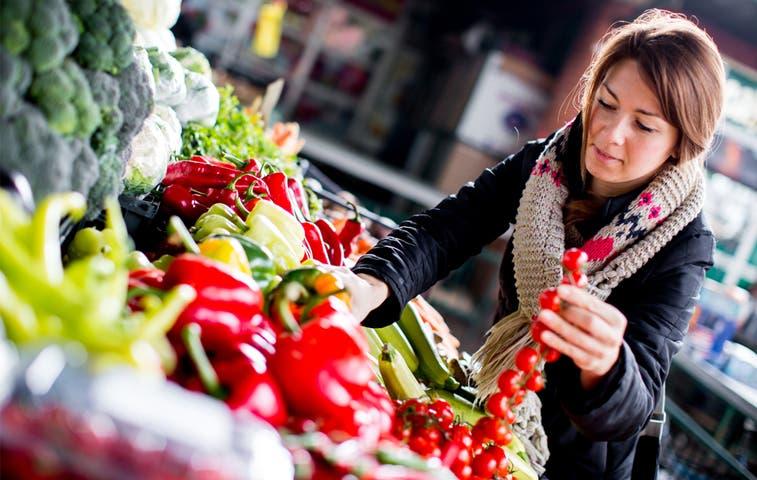 Disminuyen precios de alimentos en la región