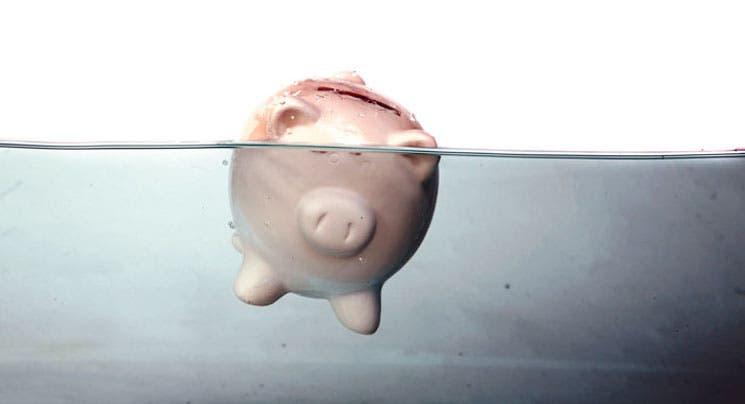 Camino al colapso: Urgen cambios a salarios del sector público