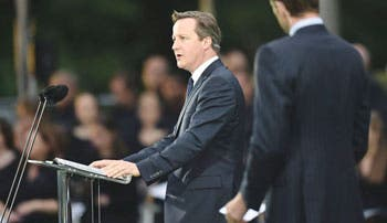 Cameron llama a Israel a la moderación