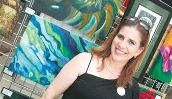 Arte con tintes femeninos llega a Escazú
