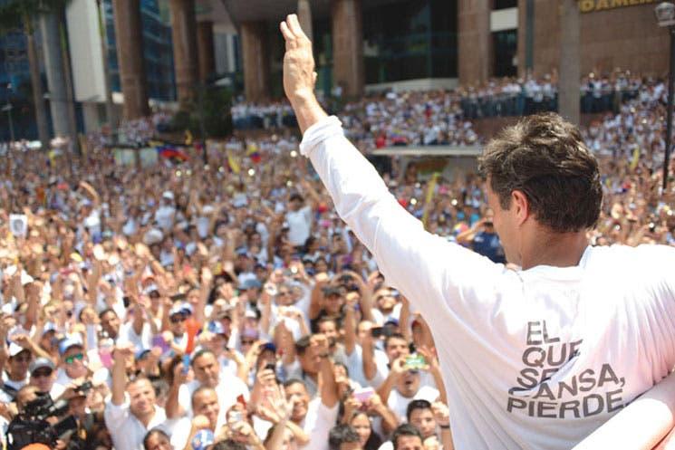 Atrasan juicio de Leopoldo López
