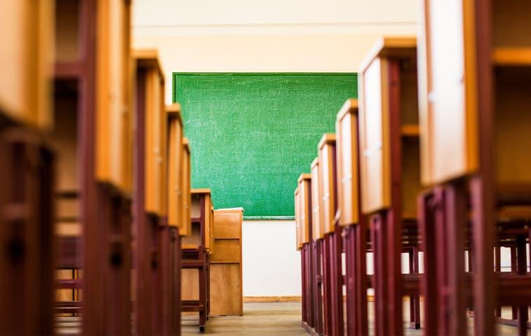 Buscan voluntarios para erradicar deserción en aulas