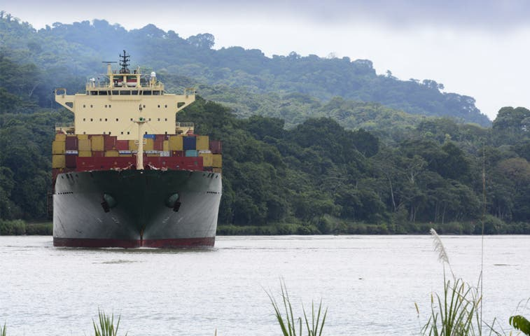 Oficiales ticos se capacitan para defensa del Canal de Panamá