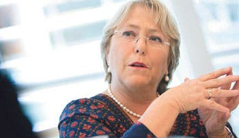 Bachelet promete reducir la pobreza en Mozambique