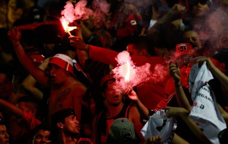 Comisión analiza seguridad para partidos de fútbol