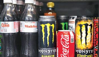 Coca-Cola compra participación en Monster Beverage