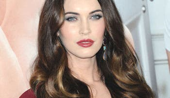 Megan Fox alaba a directores latinos