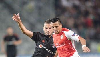 Arsenal deja la tarea pendiente
