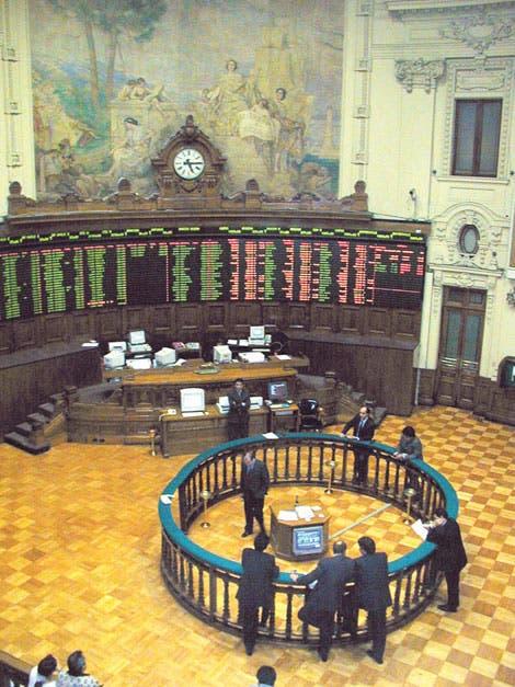 Profundiza caída de bonos por declinación de crecimiento chileno